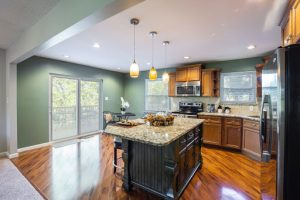 Kitchen Cabinet Refacing vs. Painting