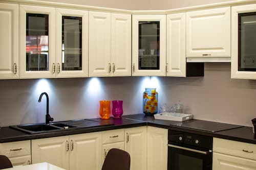 Upgrading Your Kitchen Cabinets? 4 Telltale Signs That it is Time